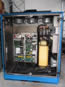 Ausgangsfilter eines Frequenzumrichters mit hoher Dämpfung in spezifizierten Frequenzbereichen